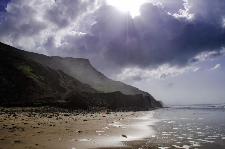 Coline et soleil en bord de plage