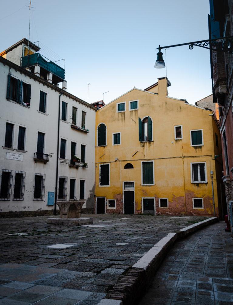 petit place vénitienne