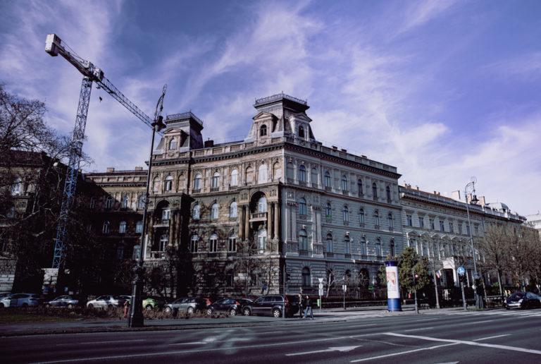 Budapest Rue façade