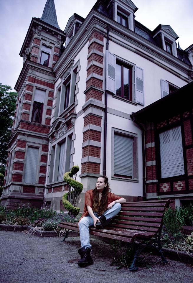 portrait femme architecture