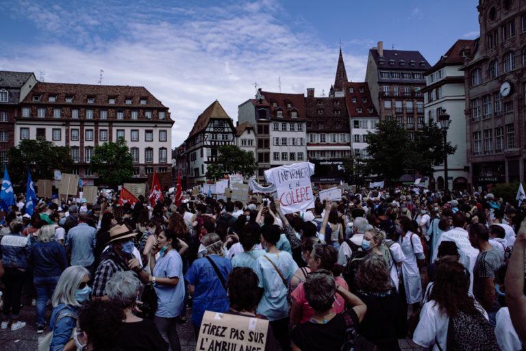 foule Strasbourg place Kleber manifestation
